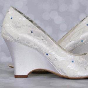 Light Crystal Scattering in Lace Custom Wedding Shoes