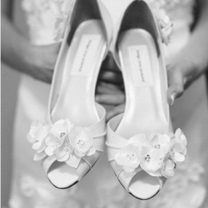 Bouquet_Flowers_Off_Center_Toe